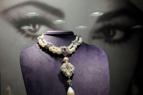 Necklace part of the Elizabeth Taylor auction