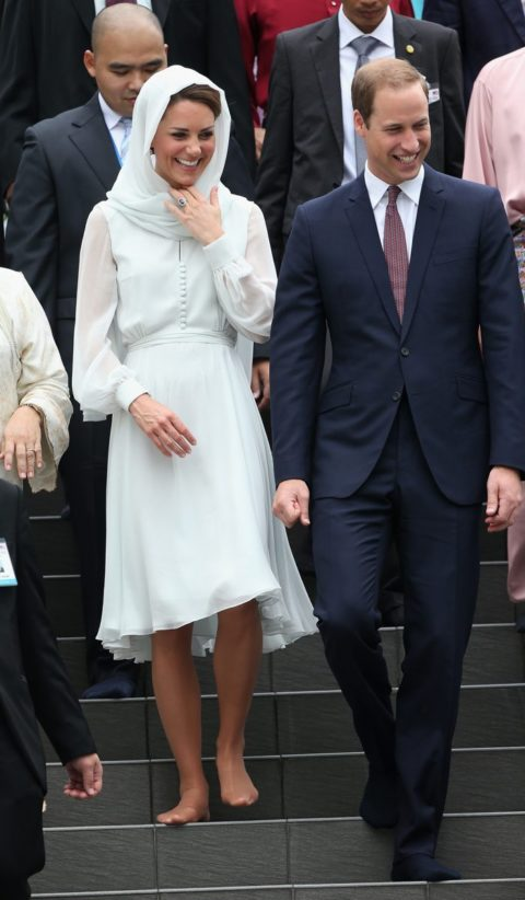 Kate Middleton Beulah Head Scarf Mosque Malaysia Diamond Jubilee Tour