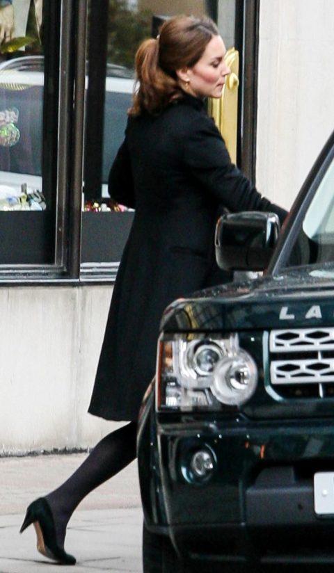 Kate Middleton shopping Harvey Nichols November 2012