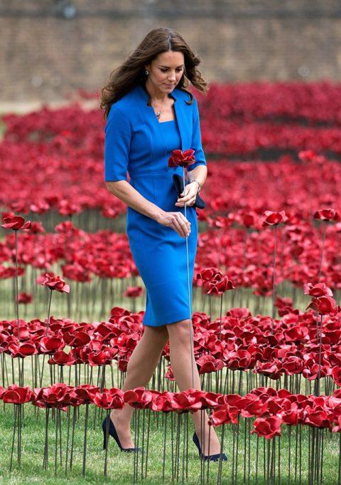 kate middleton tower of london sea of red lk bennett