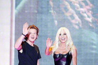 Christopher Kane to leave Versus