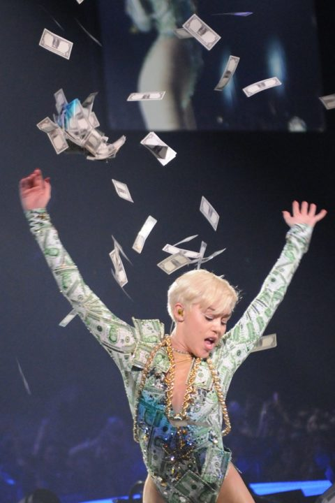 London Bangerz Tour 2014 Miley Cyrus 01