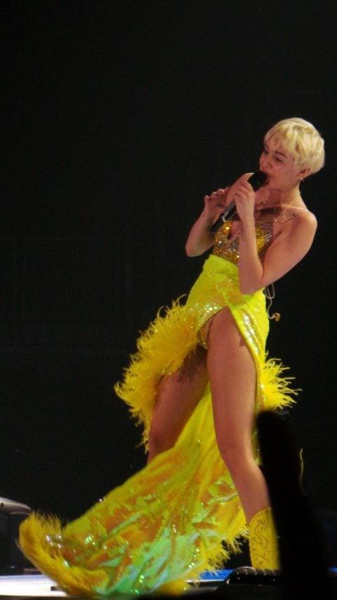 London Bangerz Tour 2014 Miley Cyrus 03