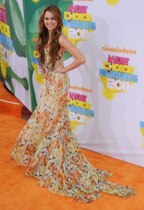 Miley Cyrus Kids Choice Awards April 2011