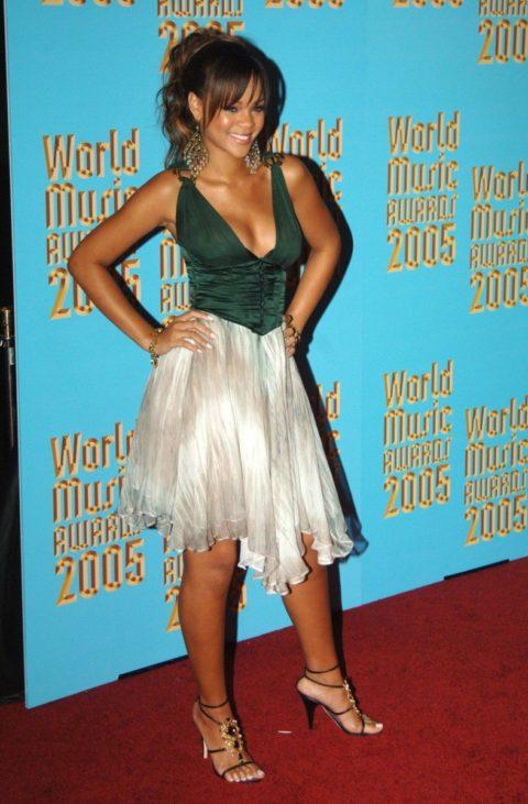 Rihanna 2005 World Music Awards