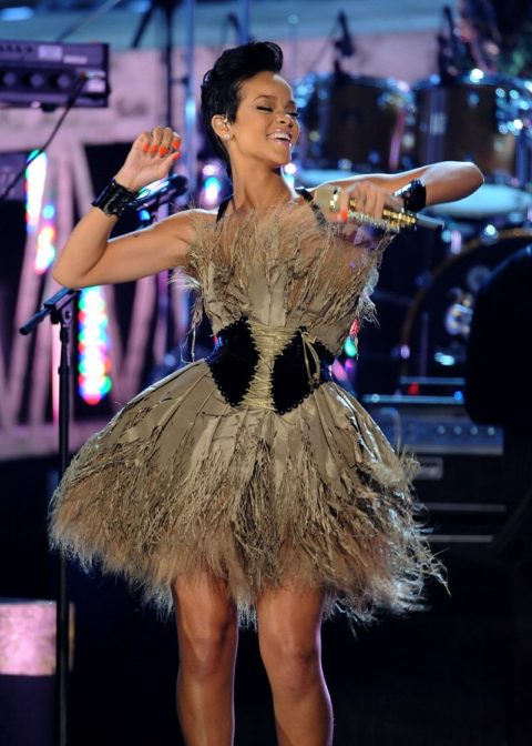 Rihanna 2008 Grammy Award Performance