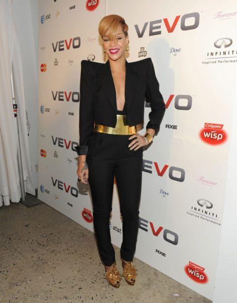 Rihanna 2009 VEVO launch