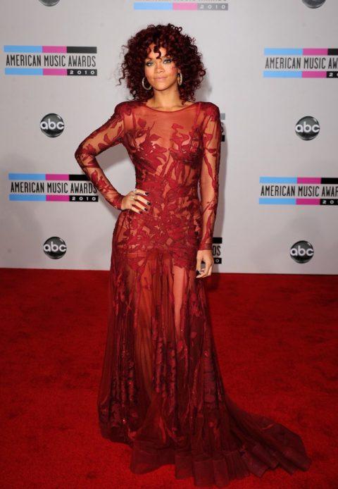 Rihanna 2010 American Music Awards
