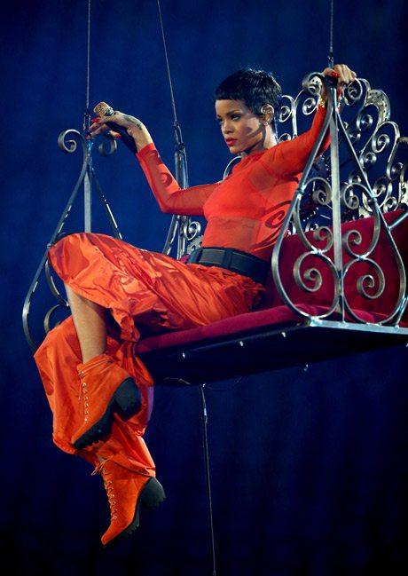Rihanna Performs at the London 2012 Paralympic