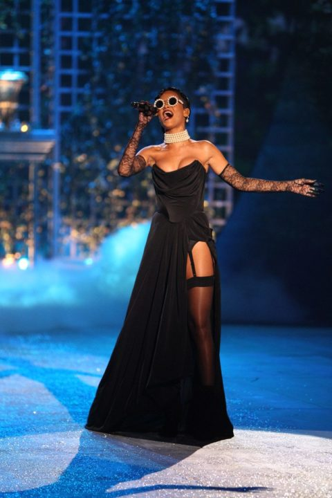Rihanna 2012 Victorias Secret Fashion Performance