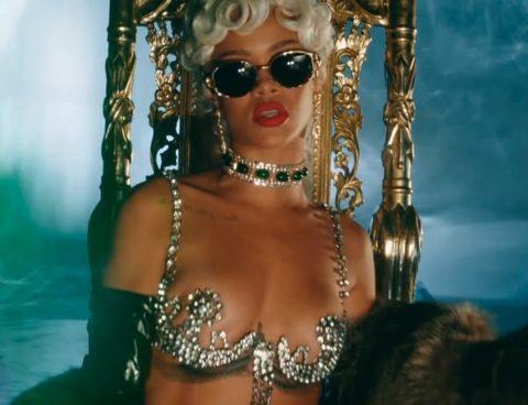 Rihanna Pour It Up Video