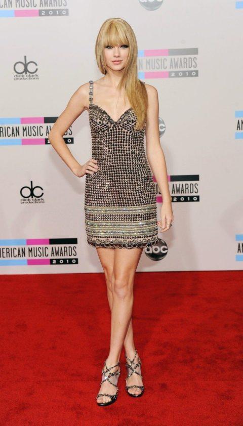 Taylor Swift Fashion AMAS 2010