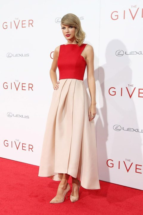 taylor swift fashion the giver premiere