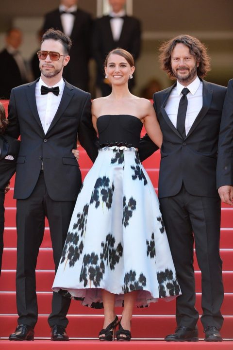 cannes 2015 natalie portman tale of love and darkness premiere