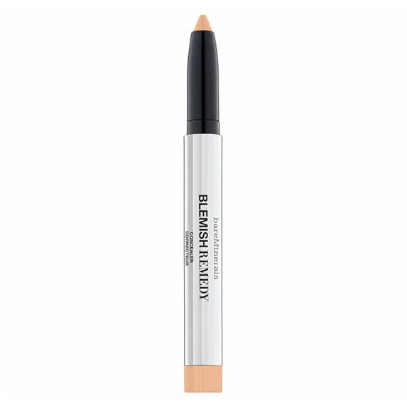 The 5 best concealers that treat your acne while hiding it