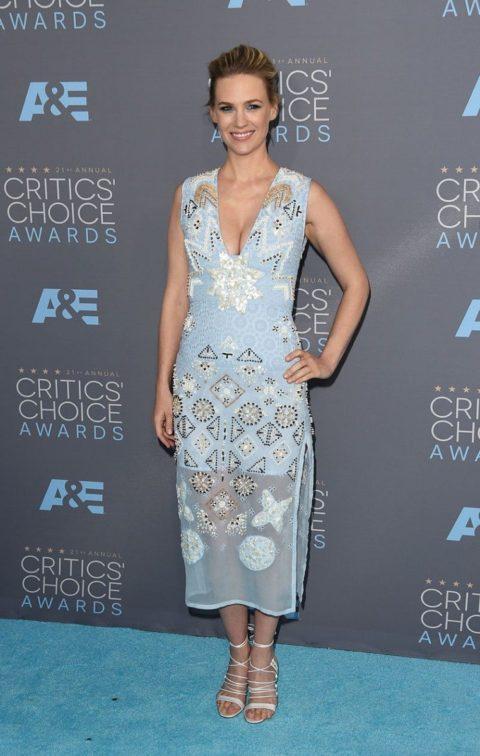 critics choice awards 2016 red carpet january jones