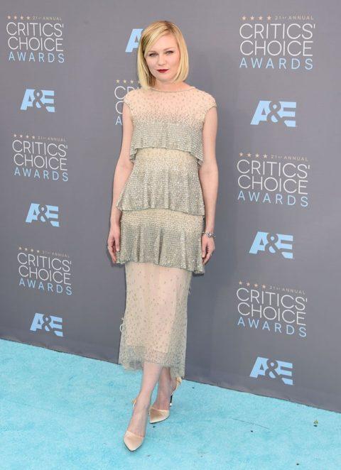 critics choice awards 2016 red carpet kirsten dunst