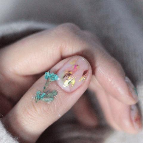 Dry Flower Nails