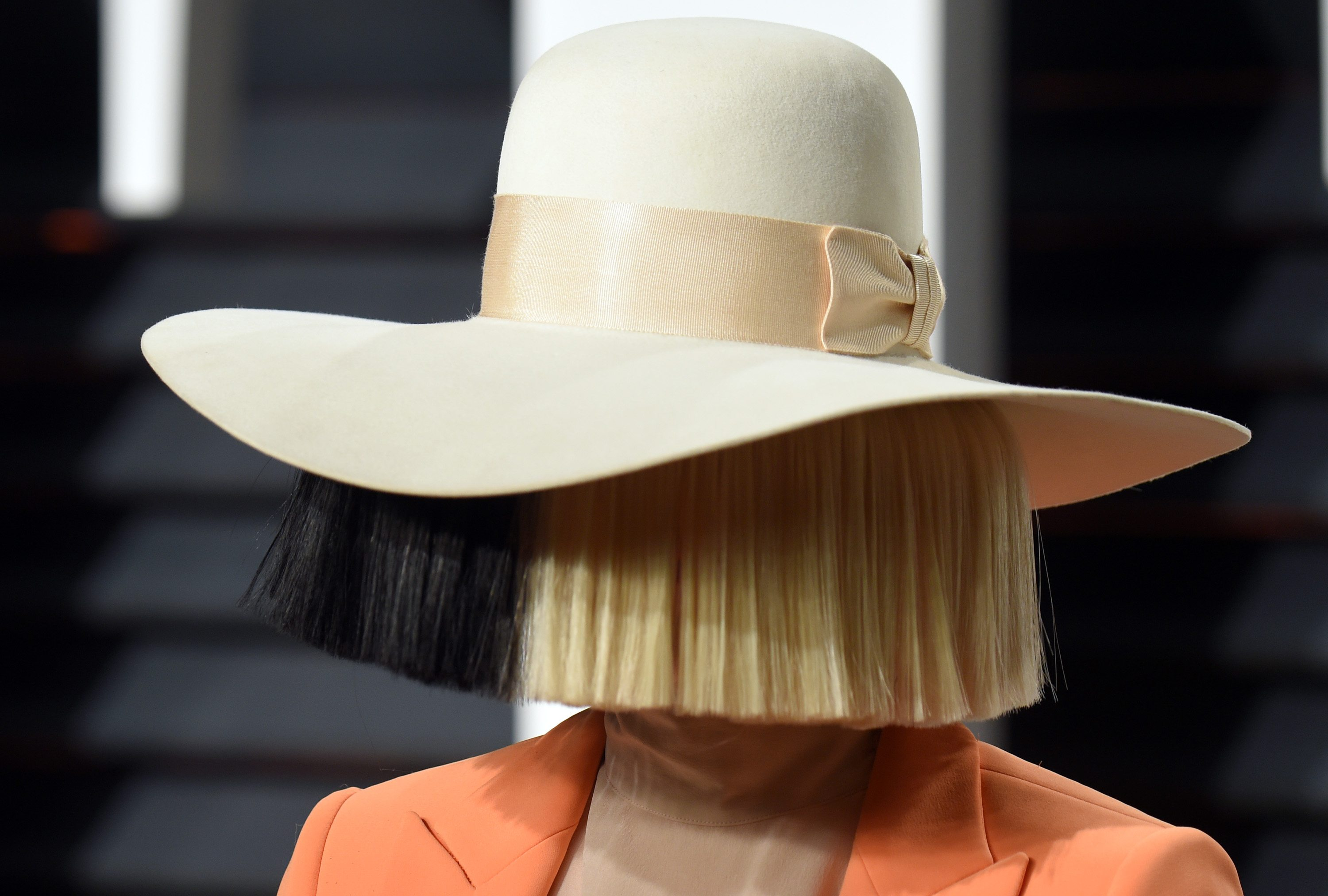 Sia Posts Nude Shot, Says Everyday Is Christmas