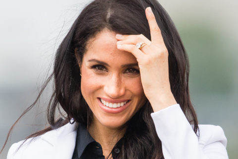 meghan markle initial necklace