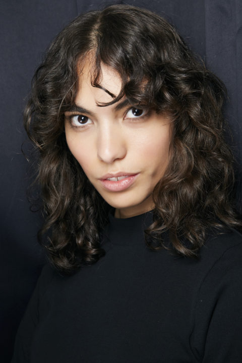 curly hairstyles at Cinq à Sept