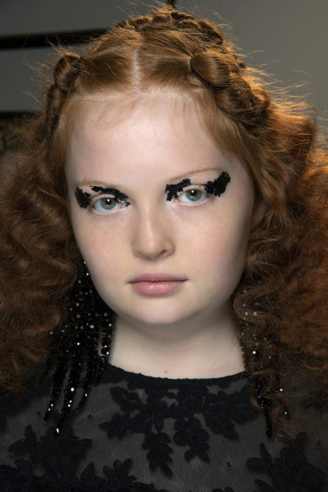curly hairstyles at Simone Rocha