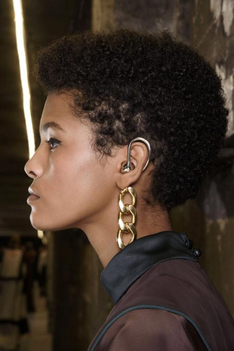 curly hairstyles at Sacai