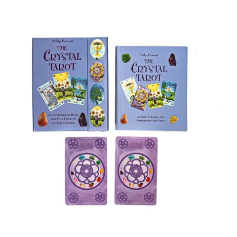 Tarot card and crystals set