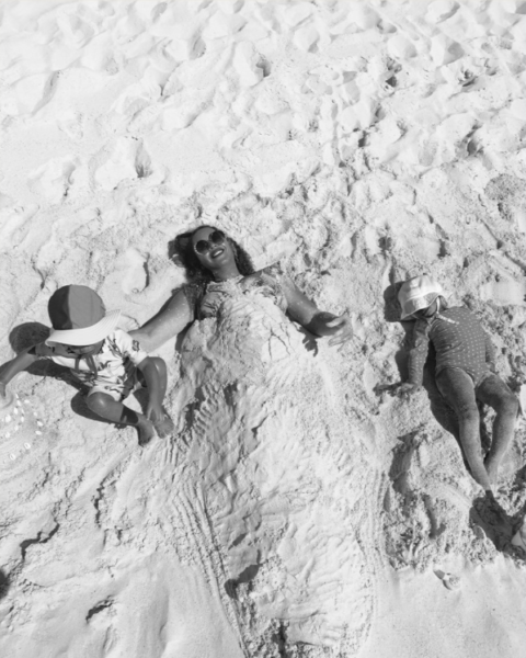 Beyonce and her kids playing in sand