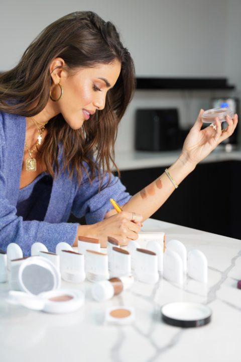 Elaluz by Camila Coelho - beauty lab
