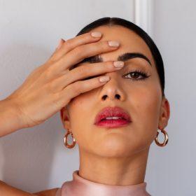 Camila Coelho wears Elaluz makeup