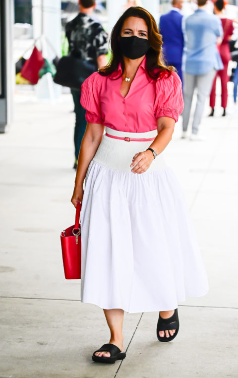 Kristin Davis in pink